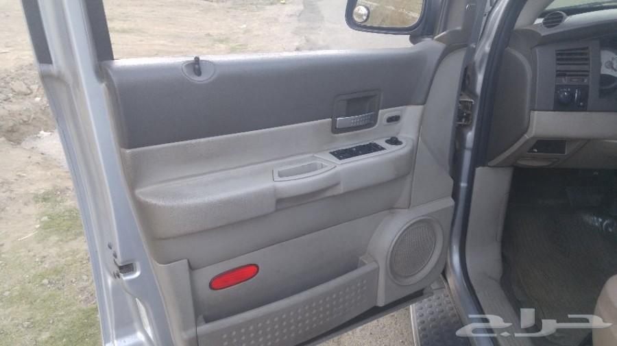 سيارة عائلية نظيفة دودج دوراجو