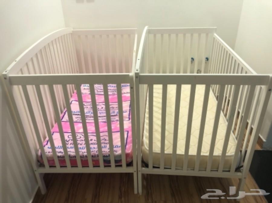 سرير اطفال شبه جديده