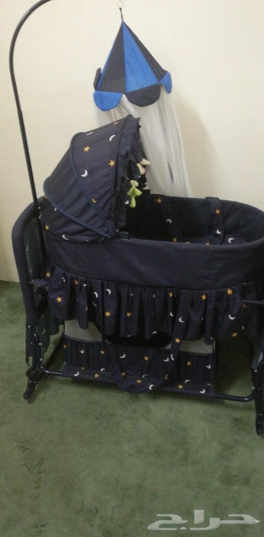 سرير أطفال هزاز مستخدم و نظيف (هندول)