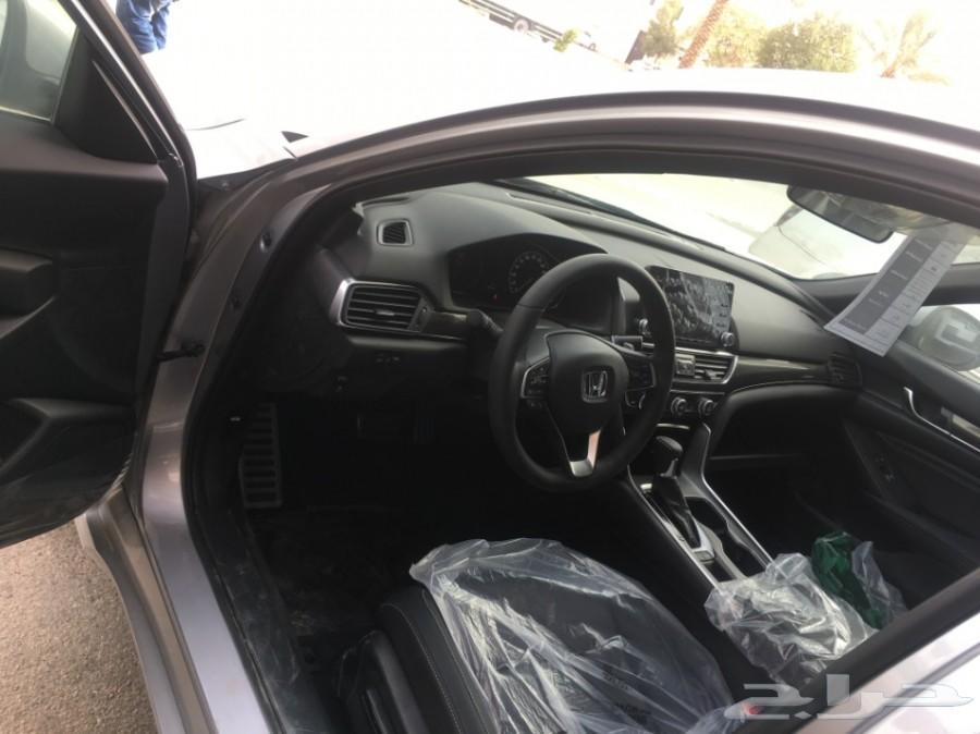 هوندا اكورد سبورت 1500 سي سي لدى معرض عبد المجيد الخضر للسيارات.الرياض الشفاء