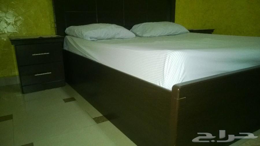 غرفة نوم - سرير مزدوج مع دولاب إضافي