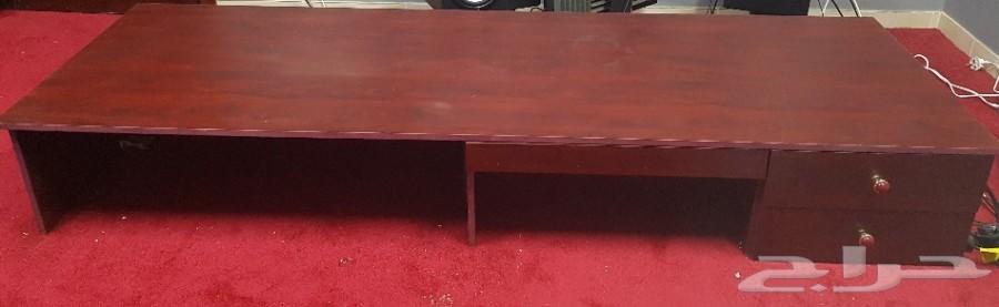 طاولة كبيرة  للاجهزة عرض 2م