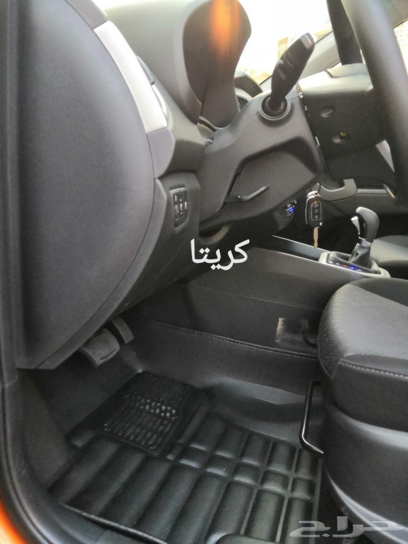 دعاسات وارضيات 5D للسيارات