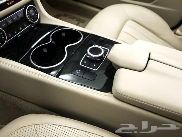 Certified 2016 Mercedes CLS 400 - ابيض - مباع