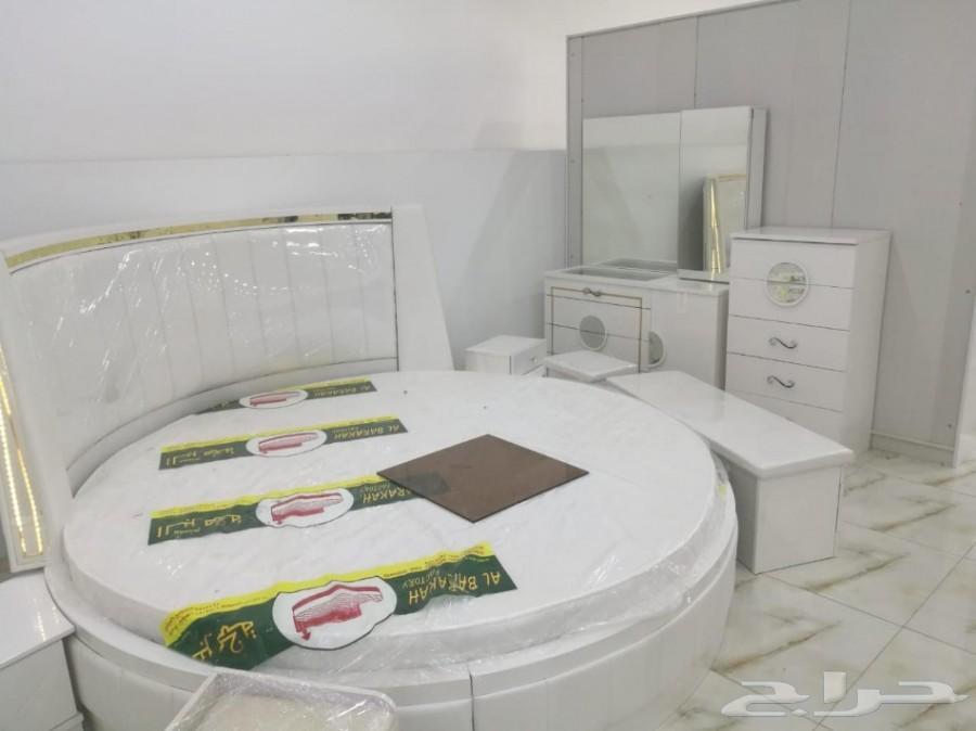 غرف نوم مودرن سرير دائري بتصاميم مميزة