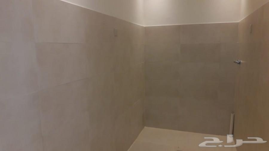 فيلا بحي حطين درج داخلي 437 مسبح ومصعد للبيع