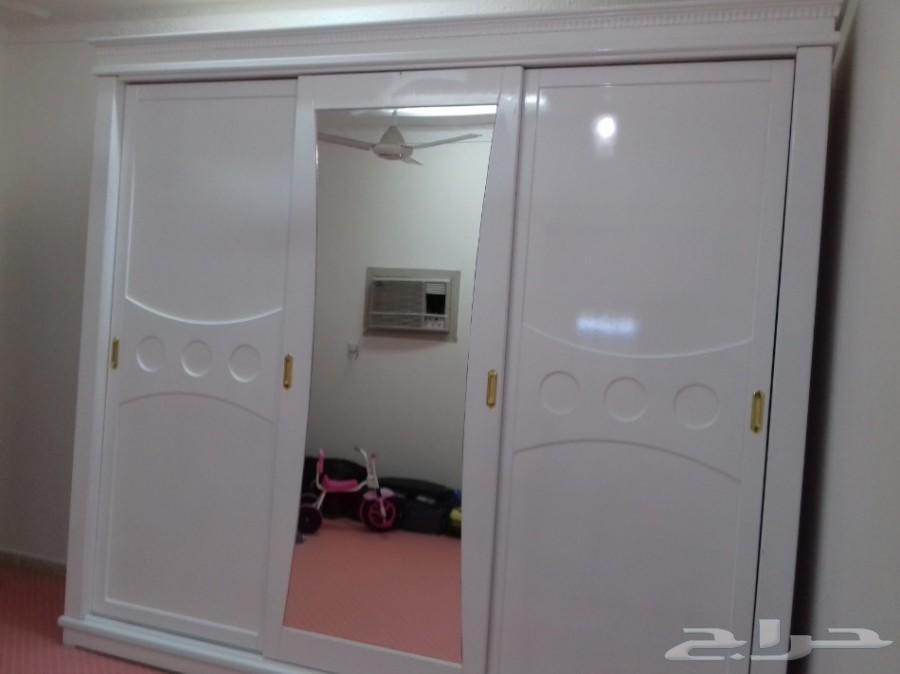 نجار ديكورات وأبواب وغرف نوم