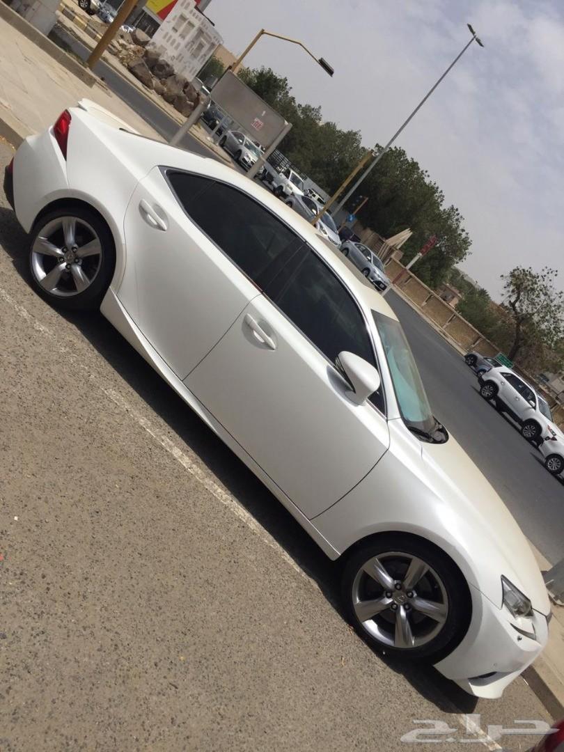 لكزس 2015 IS 350 فل كامل سعودي نظيف جدا