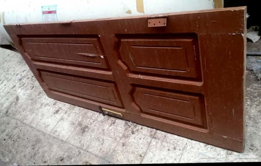 أثاث باب خشب