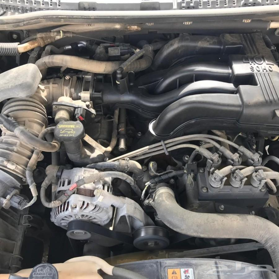 سيارة جيب فورد اكسبلورر 2009 نصف فل أمريكي