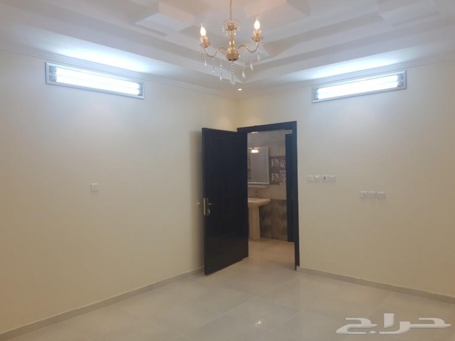 للإجار شقة5غرف جديدة مخطط الحمدة تشطيب فاخر