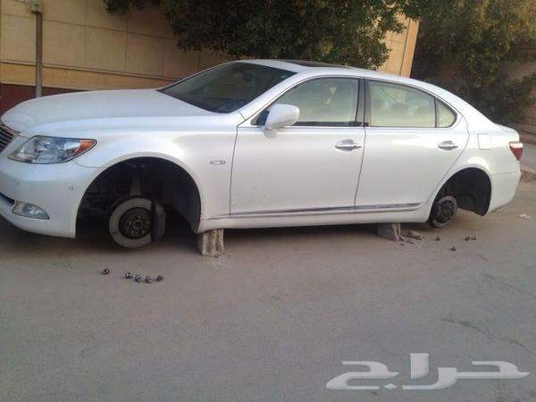 تأمين كفرات وجنوط سيارتك من السرقة