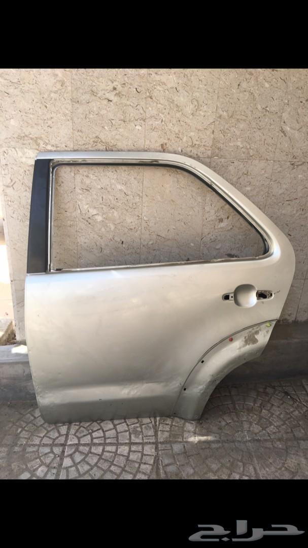 باب سيارة فورتشنر للبيع