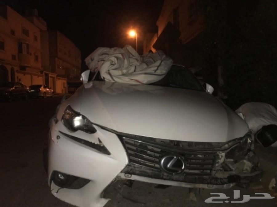 لكزس اي اس Lexus is350-2015 فل كامل مصدومة
