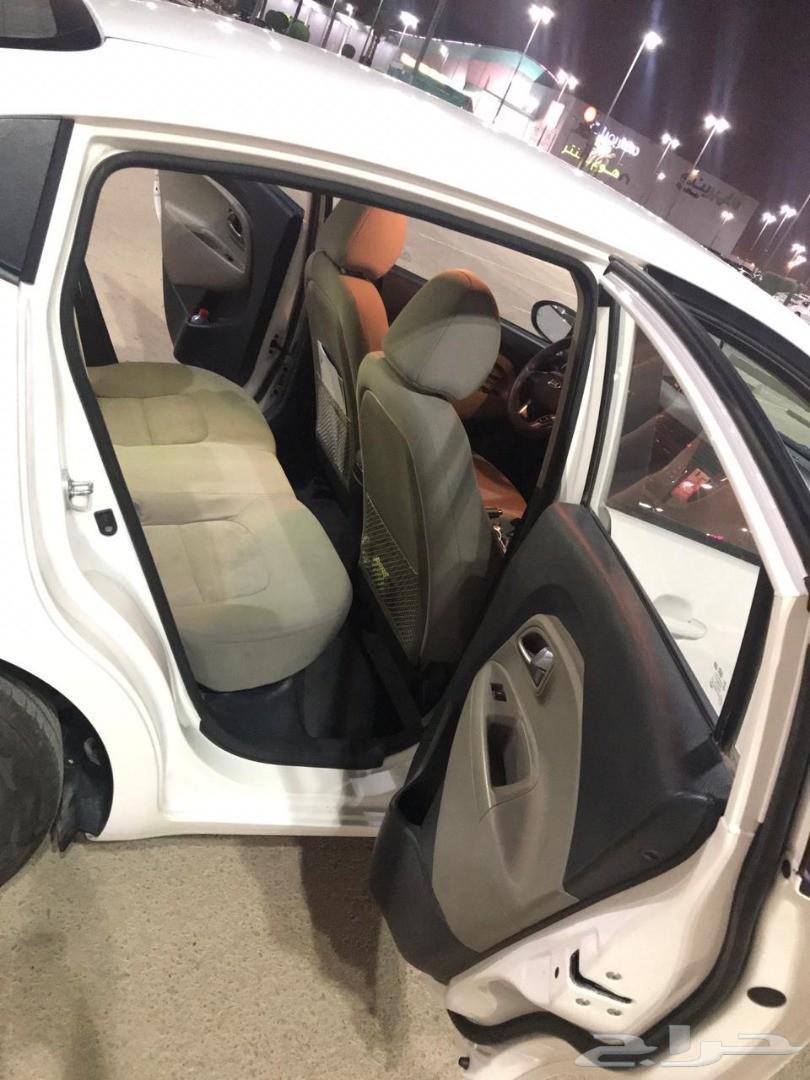للبيع سيارة ريو سيدان 2016 ممشى قليل