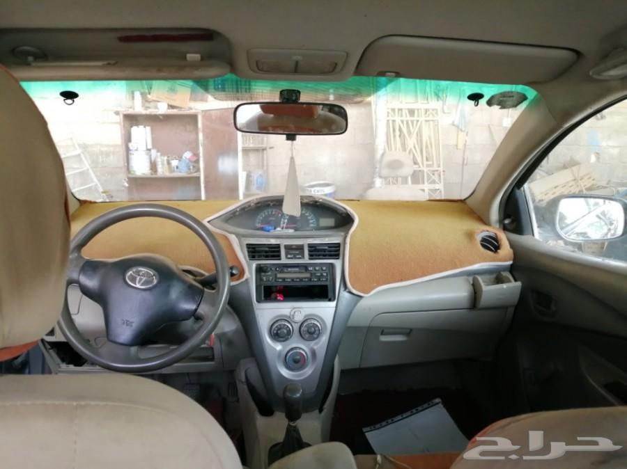 سيارة يارس 2010