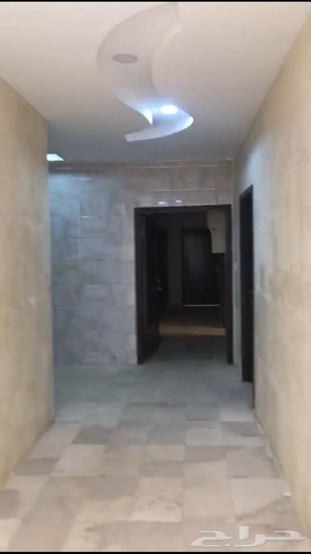عماره تجاريه للبيع في حي الخضراء (12) شقه