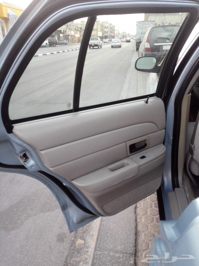 للبيع فورد فكتوريا 2006 نظيف ( او البدل )