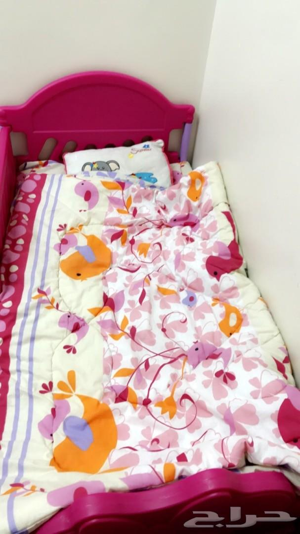 سرير اطفال و كنب صاله وستاره