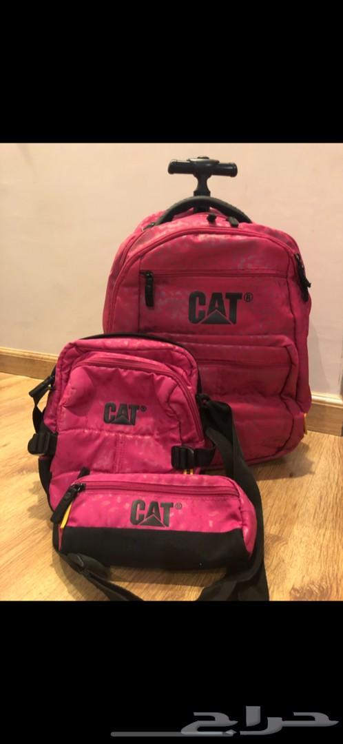 شنط مدرسية ماركة cat للبيع