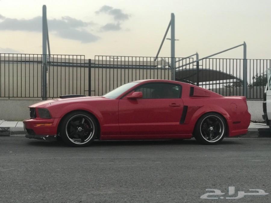 موستنج V8  2005