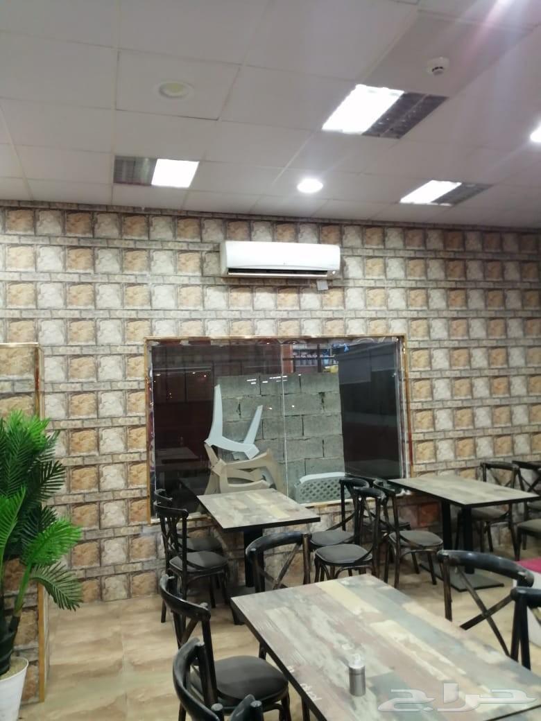 اثاث وعدة وطاولات مطعم متكامل