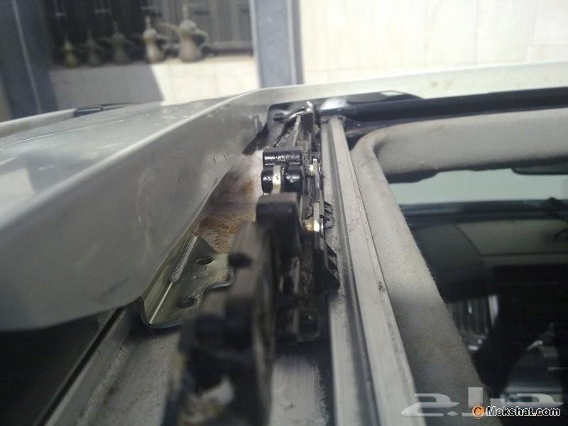فتحة سقف سيارتك ثقيله نجيك نصلحها لك