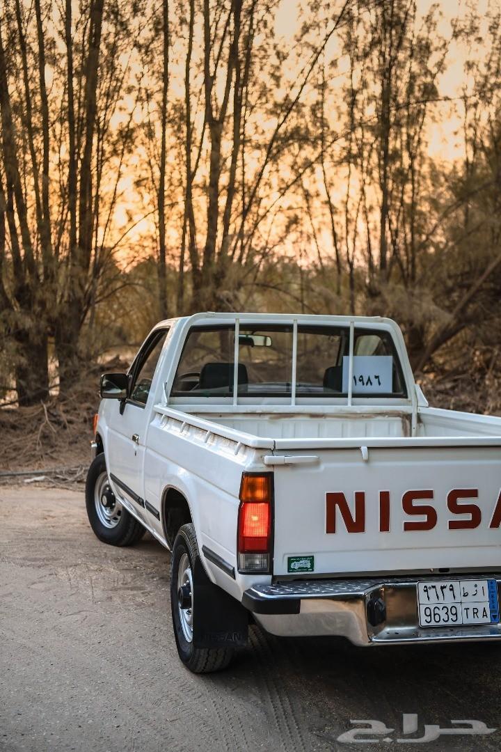 نيسان - ددسن - 1986