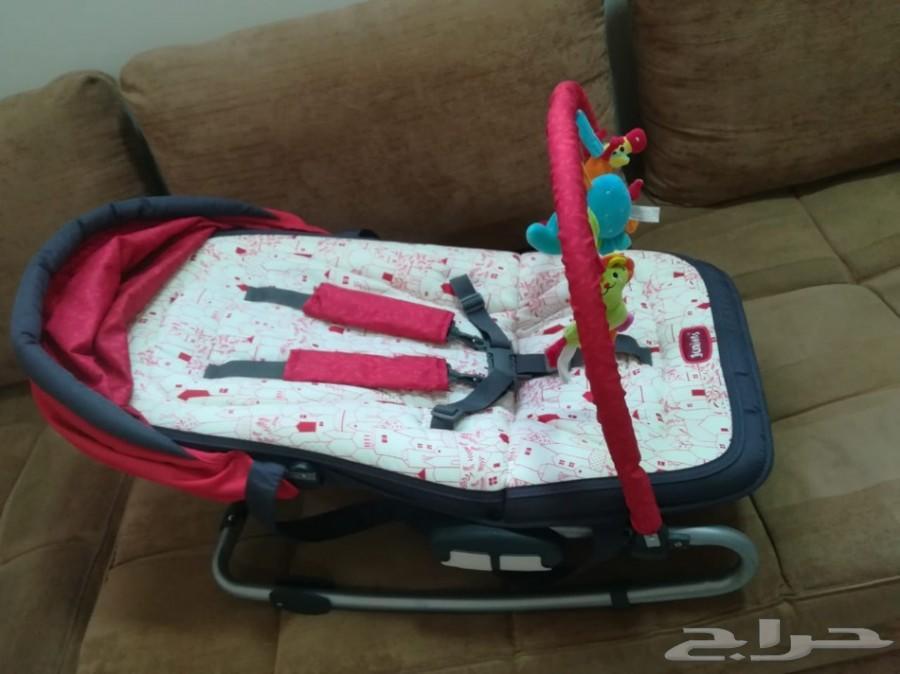 كرسي. سرير هزاز لطفل رضيع