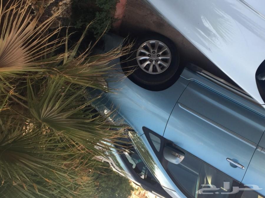 أنوفا زرقاء 2012 للبيع