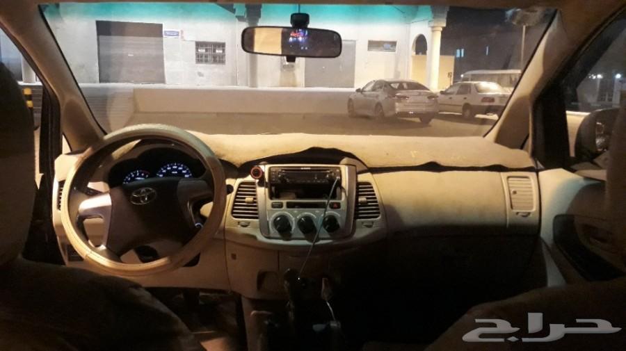 للبيع سيارة اينوفا 2015 جير عادي