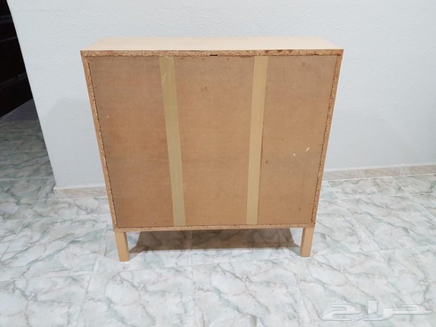 طاولة تلفزيون مستعملة ب 150 ريال - ايكيا