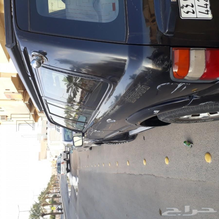 سيارة نيسان باترول موديل 2000