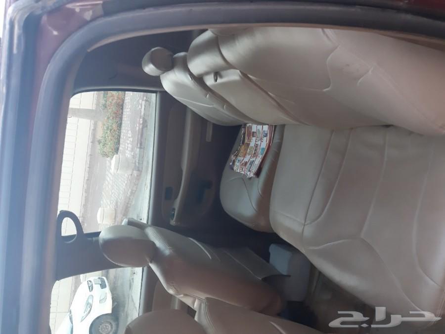 سيارة جي ام سي سوبر بان موديل 2000