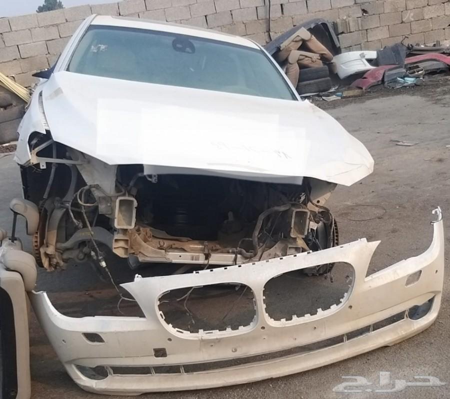 يوجد عربية بي ام دبليو 750 قطع غيار فقط