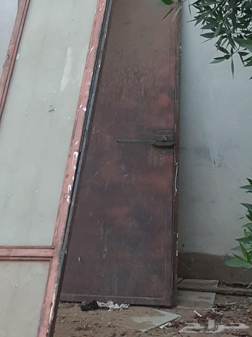 باب حديد كبير وباب صغير للبيع