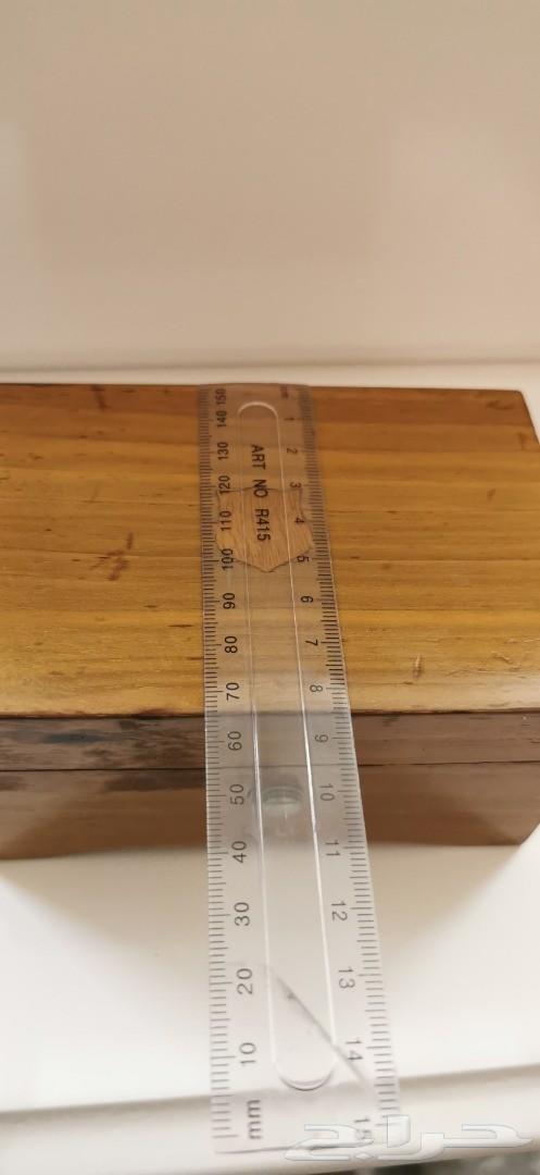صندوق خشبي سويسري قديم. تراثيات
