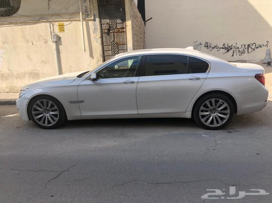 BMW 2013  740