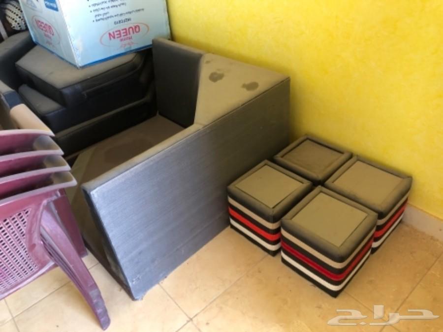 الدوادمي طقم كنب اثاث مكتبي طاولات فخمة للبيع