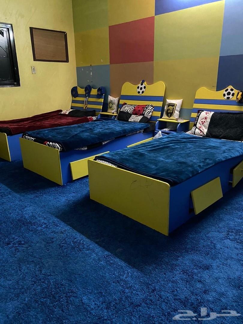 غرفة نوم اطفال عدد 3 اسره مع دولاب كبير
