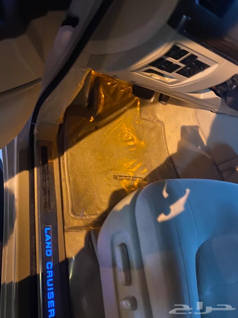لاندكروزر 2017 8 سلندر فل كامل تم البيع