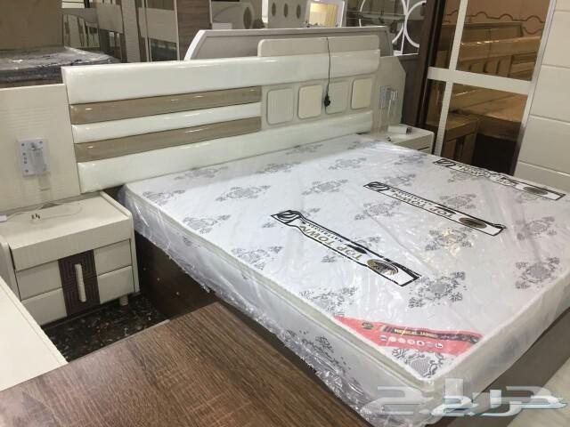 غرف نوم راقيه كنب ومكاتب وطاولات