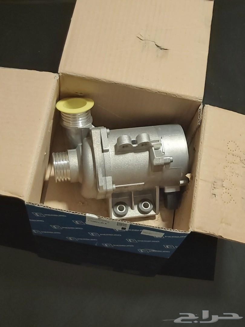 طرمبة ماء 6 سلندر BMW من شركة pierburg
