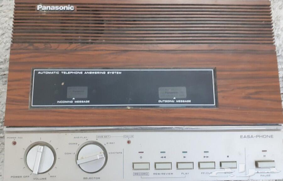 جهازمسجل قديم خشبي