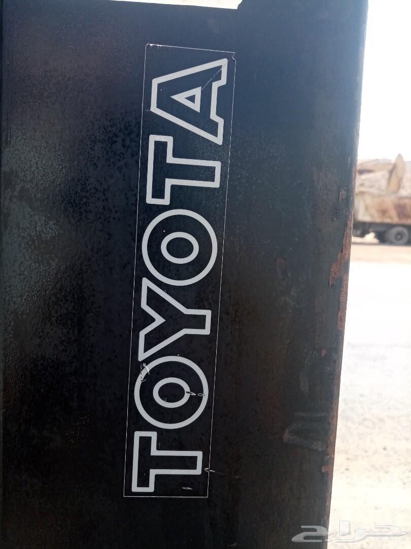رافعة شوكية تويوتا 2 طن ونص 2012