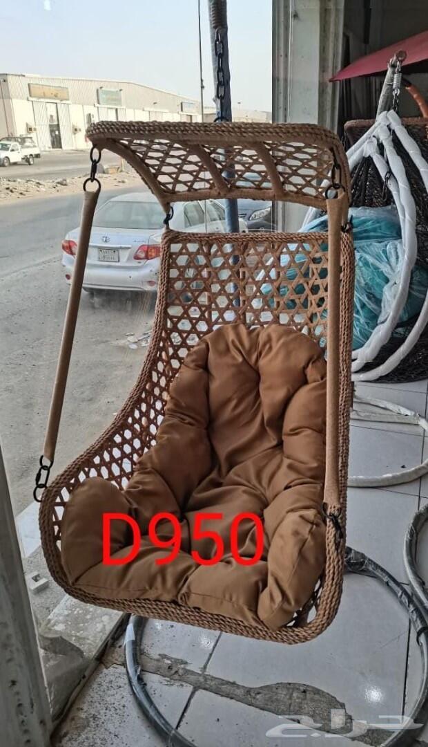 مراجيح وزحاليق وكراسي دوار