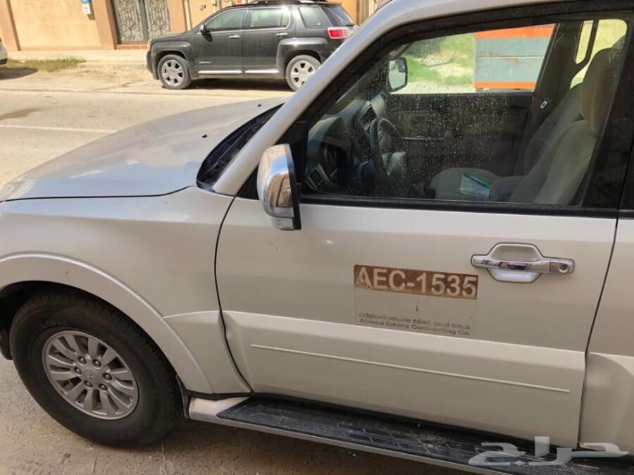 سيارة باجيرو جيب موديل 2012