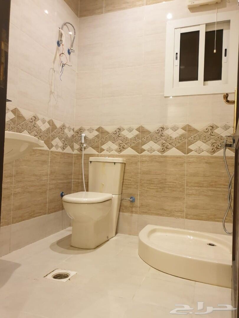 فيلاروف ملحق5غرف للبيع ب450 الف فقط