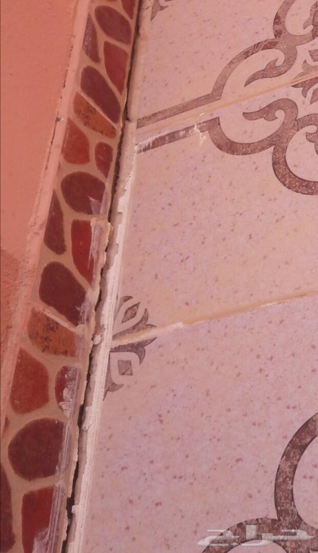 كشف أسباب الشروخ والتشققات والرطوبة بالجدران