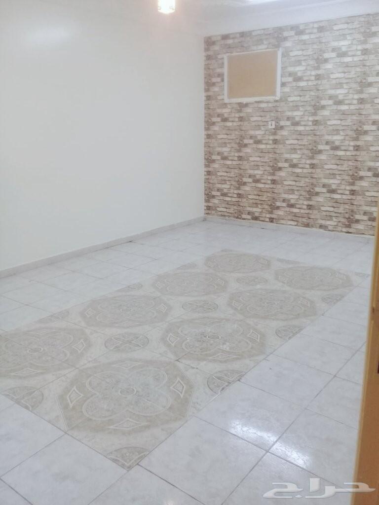 شقة مدخلين واسعة مجلس كبير (2) غرفتي نوم مطبخ